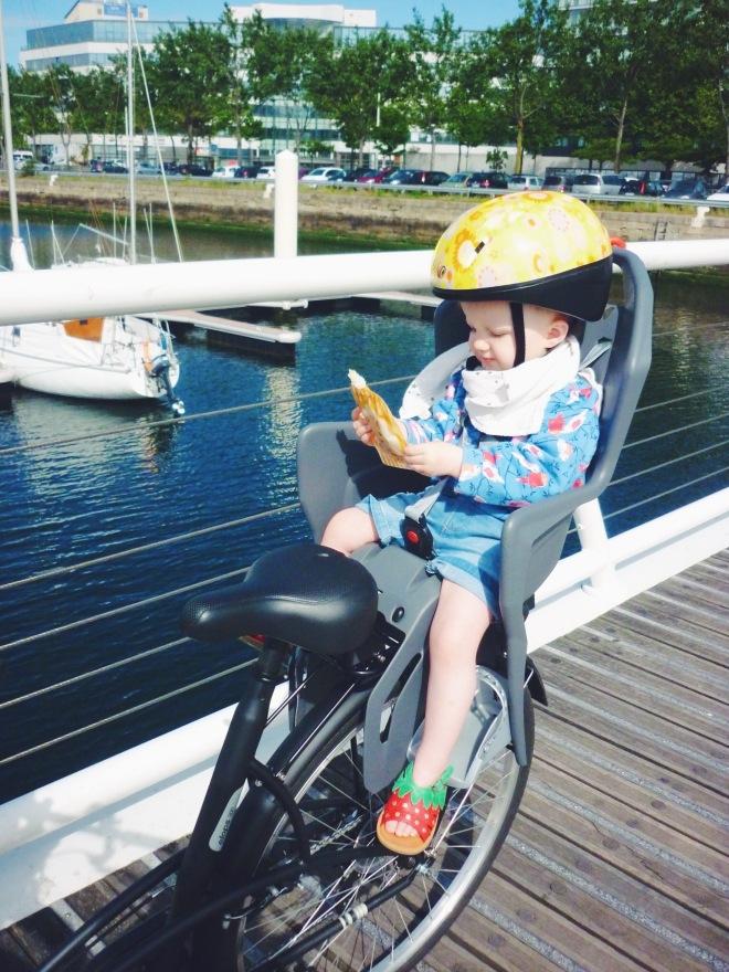 vélo bébé gourde réutilisable squiz