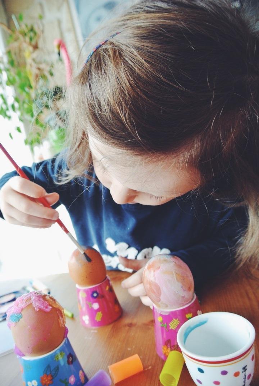 DIY Pâques oeufs pralinés à décorer activité enfant